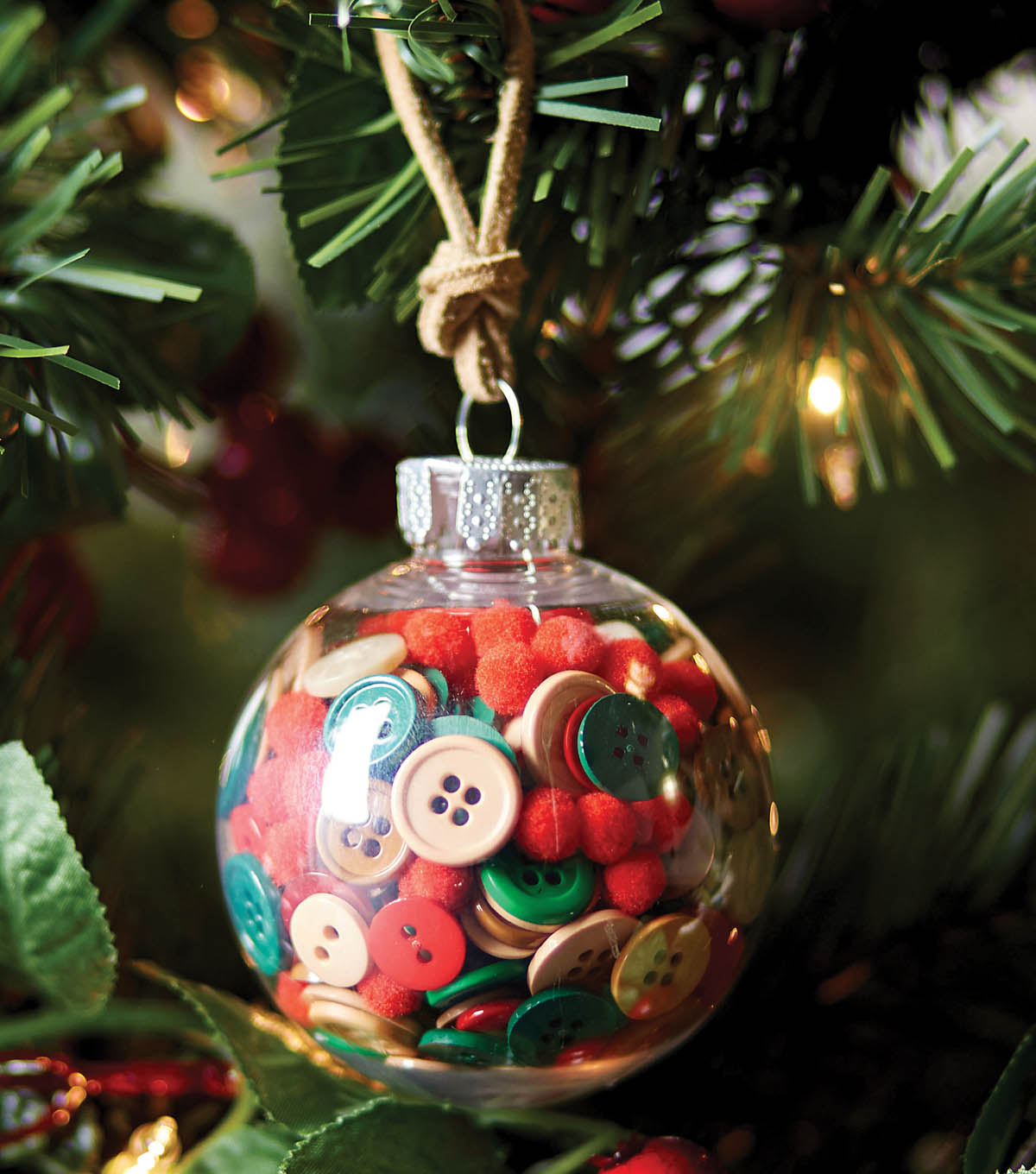 Learn How To Make A Button Ornament
