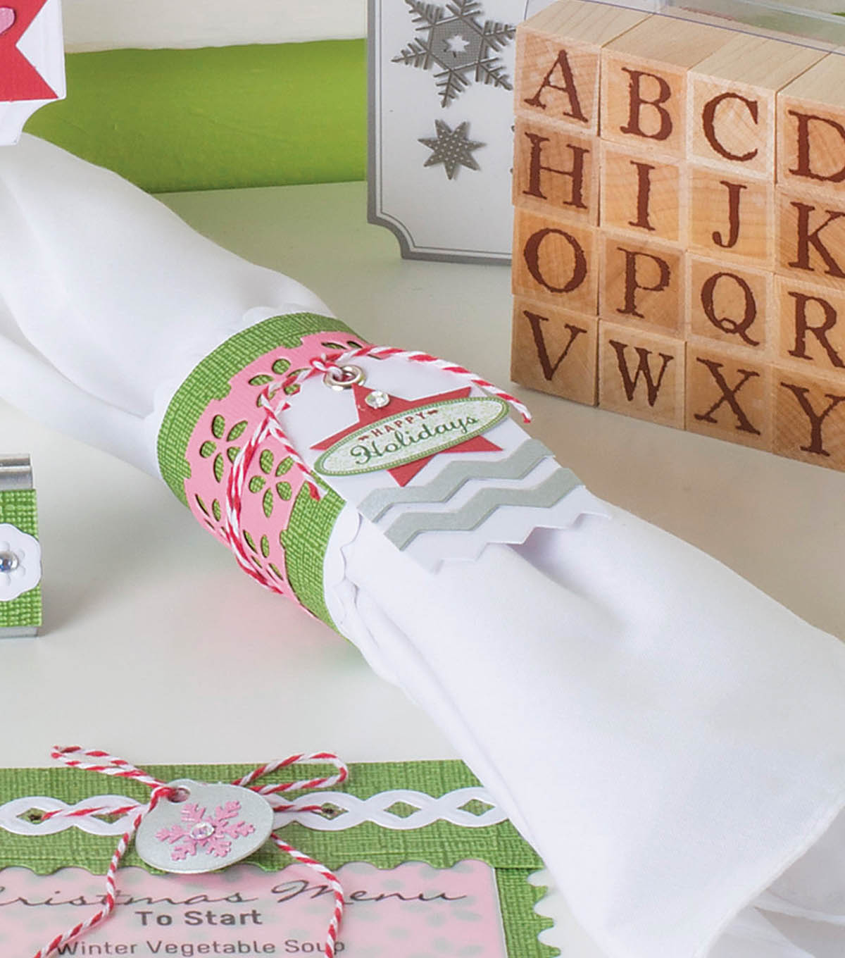 David Tutera Celebrate Card: Holiday Napkin Ring