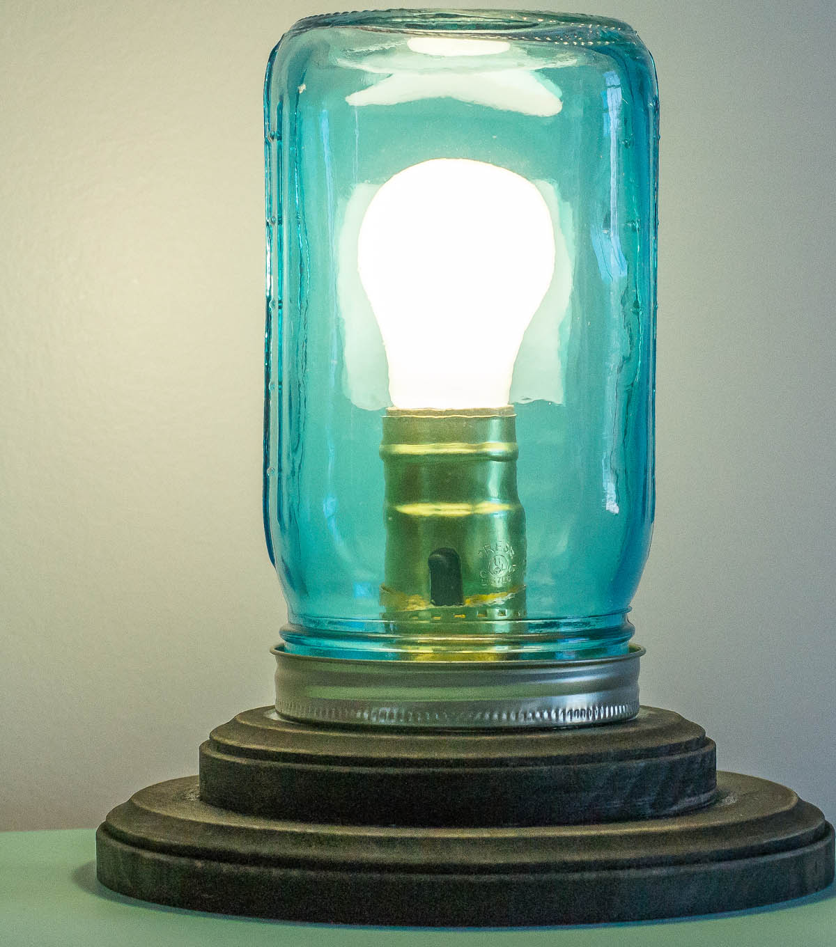 Idea Market Mason Jar Lamp