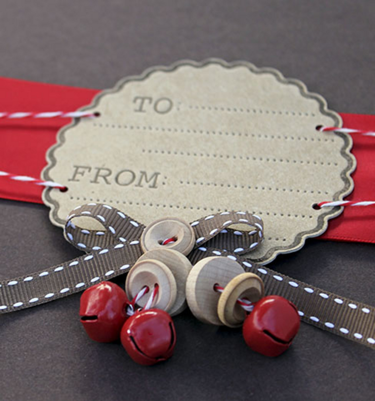 Bells & Buttons Gift Tag