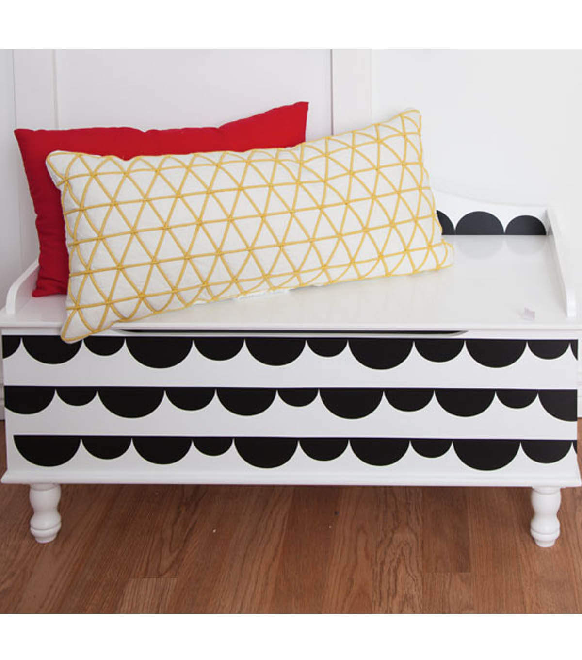 Playroom Scallop Bench