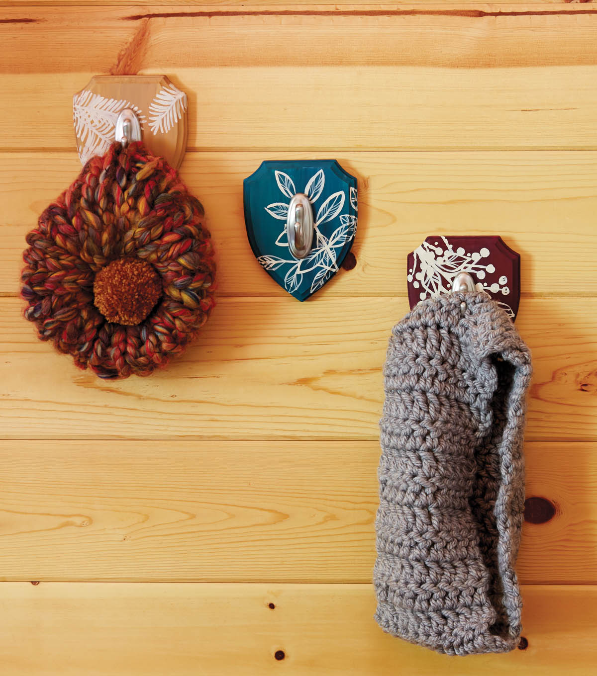 Foliage Plaque Hooks, Chunky Crochet Cowl, and Hat in a Flash
