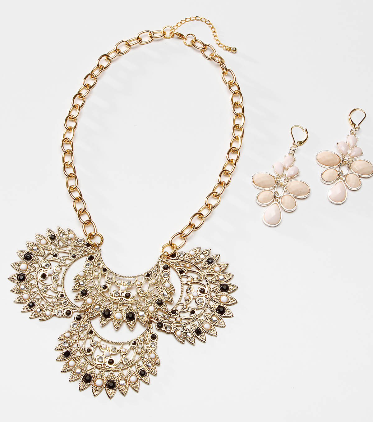 Tori spelling Fan Glam Necklace and Earring Set