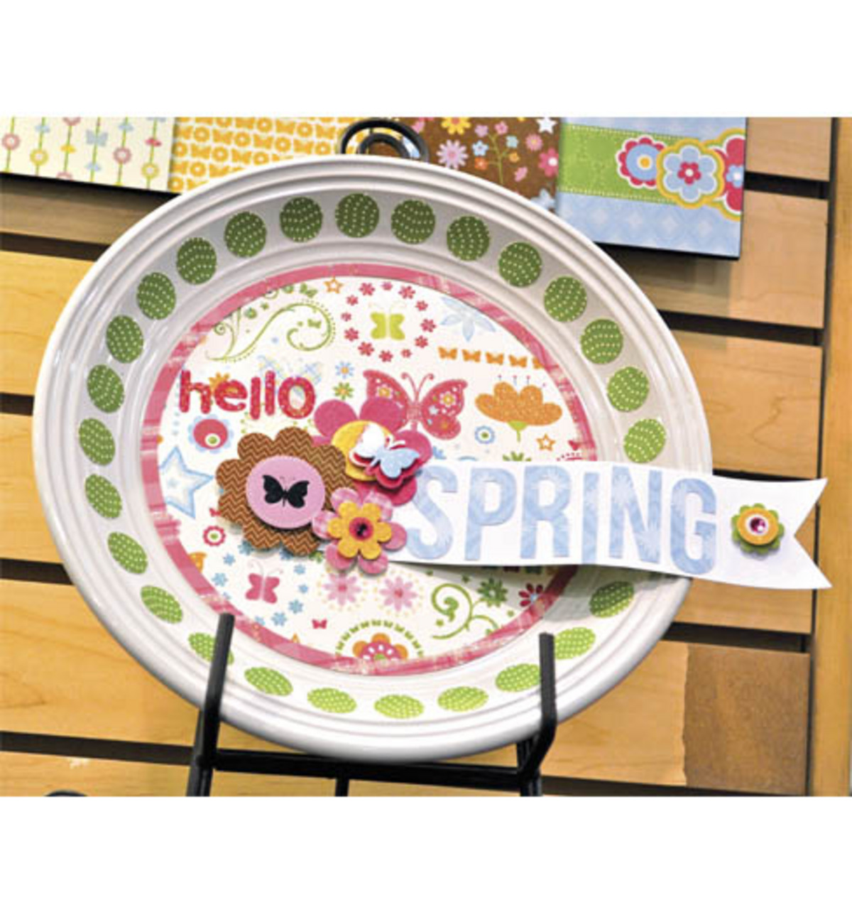 Hello Spring Decorative Plate