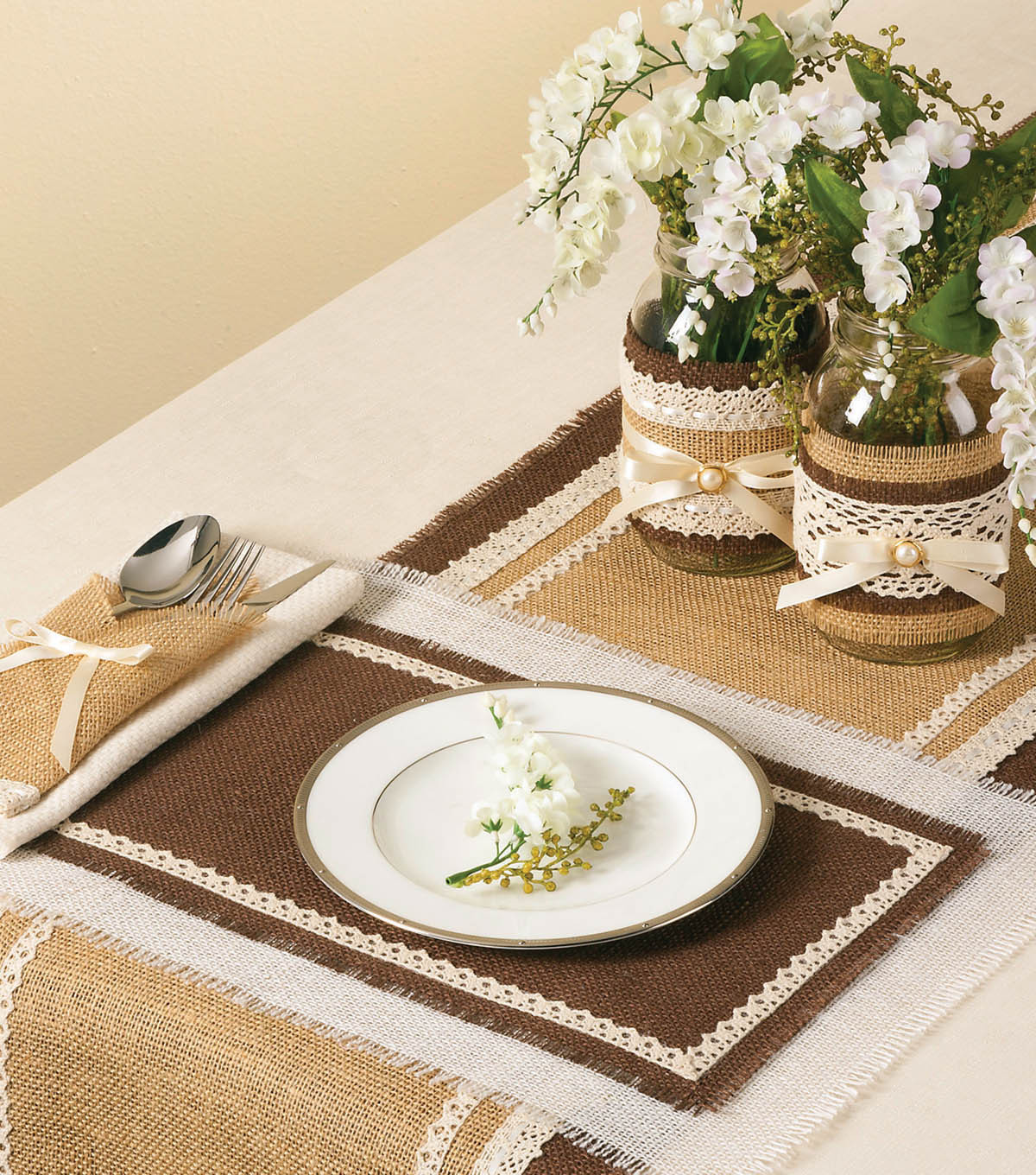 Idea Market Burlap Wedding Table Setting