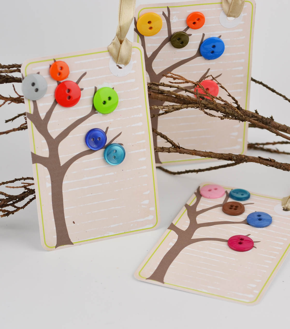 Button Tree Tags