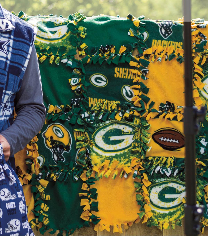 No-Sew Tie Patch Blanket | JOANN : tied fleece quilt - Adamdwight.com