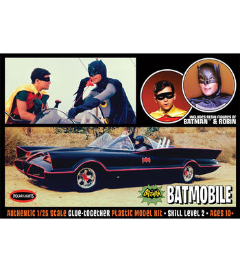 Polar Lights Batmobile with Figures 1:25 Scale Model Car Kit