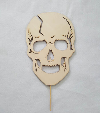 Maker's Halloween Laser Wood-Lawn Skull