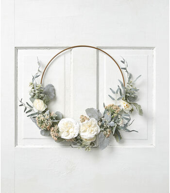 Fresh Picked Spring Rose, Dusty Miller & Berry Round Wreath
