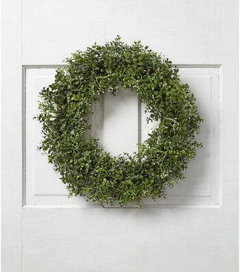 Fresh Picked Greens 20'' Boxwood & Baby's Breath Wreath