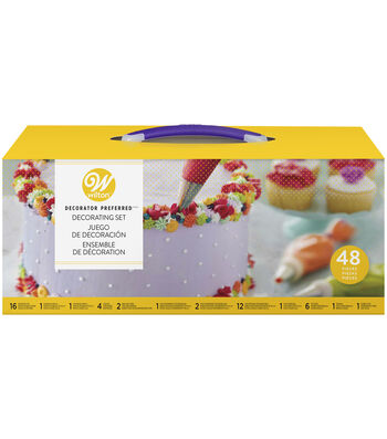 Wilton 48 Piece Buttercream Decorating Set