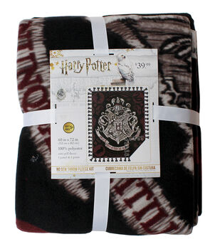 Harry Potter No Sew Throw Fleece Kit-Embroidery Hogwarts Look Crest