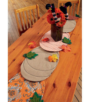 McCall's Pattern M7490 Pumpkin Placemats, Witch Hat/Legs & Wreaths