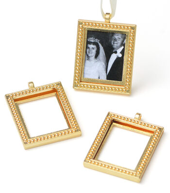 Save The Date Photo Frame Gold Charm Bouquet Set