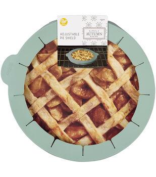 Wilton Simply Autumn Silicone Pie Shield-Sage