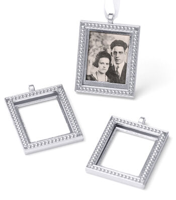 Save The Date Photo Frame Charm Bouquet Set