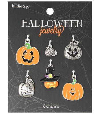 hildie & jo Halloween 6 pk Assorted Pumpkins Charms