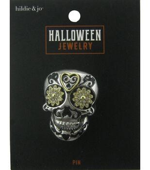 hildie & jo Halloween Brooch-Skull Flowers Silver