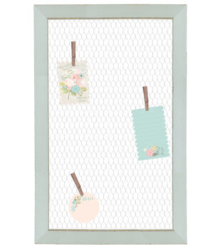 Chicken Wire Clipboard with Clothespins-Light Blue