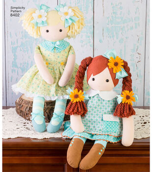 Simplicity Pattern 8402 23'' Stuffed Doll with Clothes