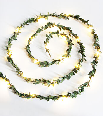 Fresh Picked Greens Boxwood Garland with LED Rice Light-Green