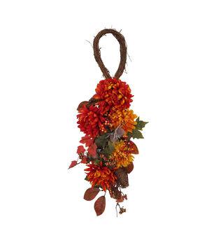Blooming Autumn Mum, Heather & Berry Teardrop