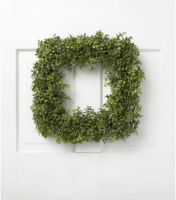 Fresh Picked Spring 18'' Square Boxwood & Baby's Breath Wreath