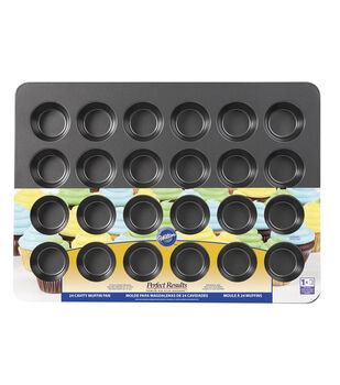 Wilton Perfect Results Non-Stick Bakeware Mega Muffin and Cupcake Pan