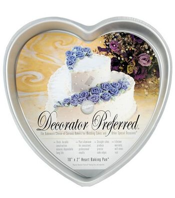 "Wilton Decorator Preferred 10"" Heart Pan"