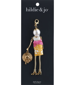 hildie & jo Spring Doll Pendant-Daisy