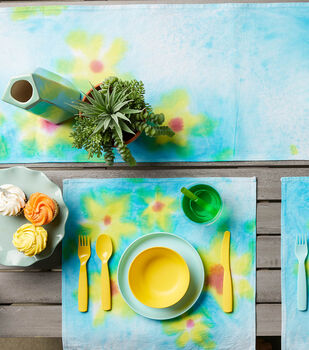 How To Make a Fabric Dyed Table Runner and Napkins