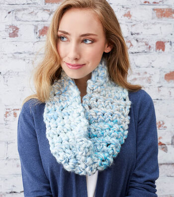 How to Make An Awesome Finger Crochet Cowl