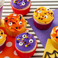 How To Make Eye Spy Halloween Cupcakes
