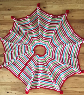 How To Crochet A Pompom Trimmed Tree Skirt
