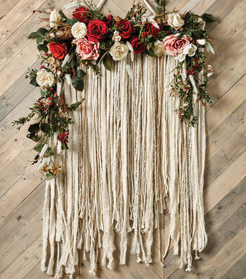 How To Make A Floral & Yarn Wall Hanging