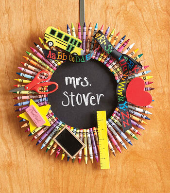 How To Make A Crayon Wreath