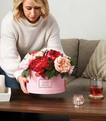 How To Make a Femininity Hat Box Floral Arrangement