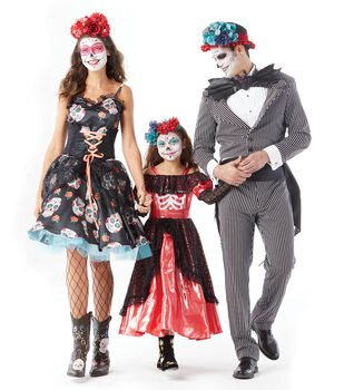 """How To Make An Adult """"Day of the Dead"""" Costume"""