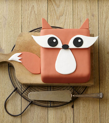 How To Make a Festive Fox Cake