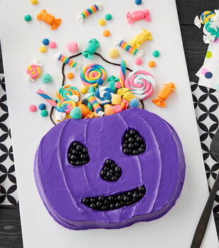 How To Make A Trick-Or-Treat Candy Bucket Cake
