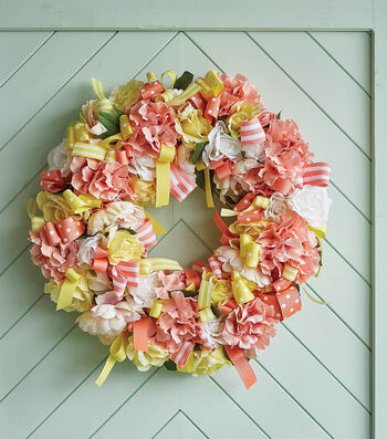 How to Make A Ribbon & Floral Wreath