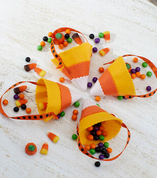 How To Make  Candy Corn Party Favors