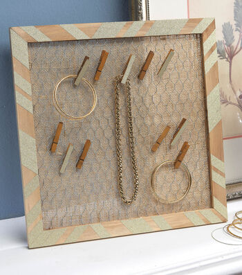 Chicken Wire Jewelry Rack