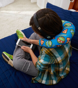 How to Make a Personalized Child's Travel Neck Pillow