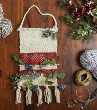 How To Make A Holiday Floral Yarn Weaving
