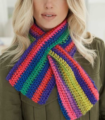 How To Make A Lion Brand Landscapes Keyhole Scarf