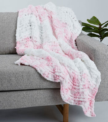 How To Make a Big Twist Loopity Loops Feather and Fan Baby Blanket