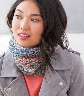 How to make A Lion Brand Stitchbird Journal Square Cowl