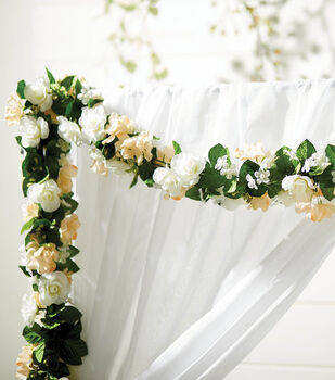 How To Make A Wedding Tablescape Garland